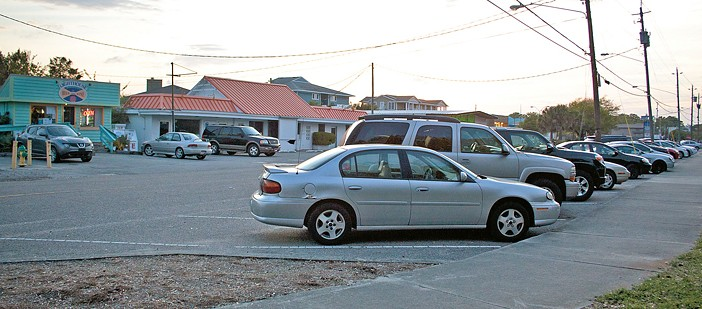 Harbor Island business owners divided on paid parking
