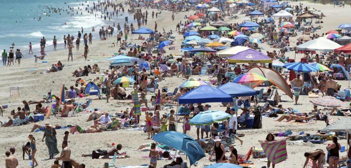 Lifeguards respond to a dozen Memorial Day incidents