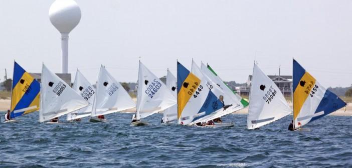 Boats race during Carolina Yacht Club's SAYRA Regatta